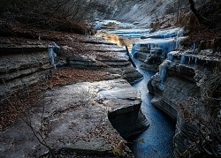 Il Brent dell'Art e le formazioni di ghiaccio. Pieno inverno.