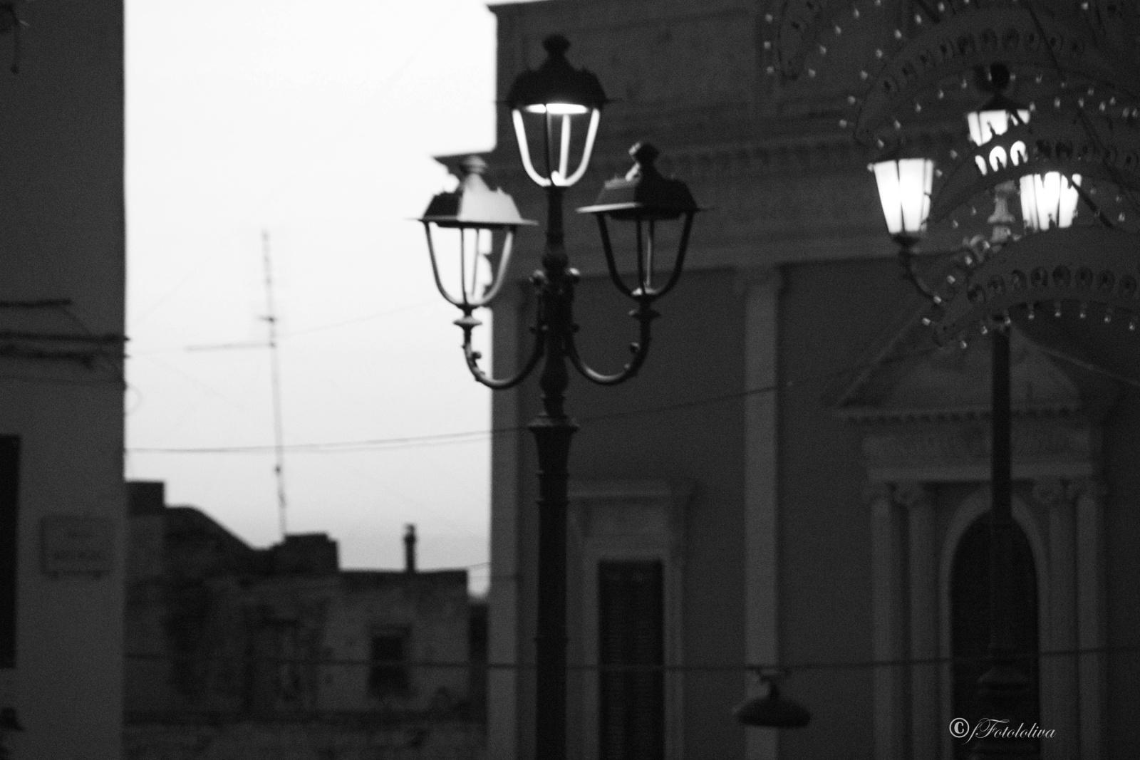 LAMPIONI B/W