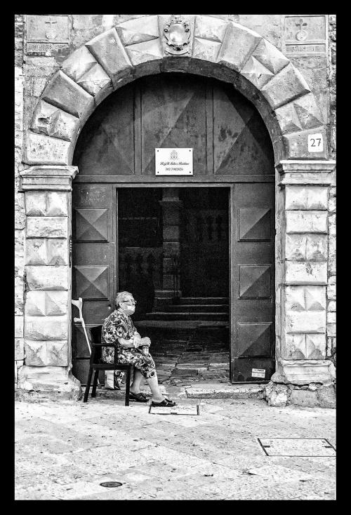 """LA COMARE - OPERA SELEZIONATA PER """" MILLE DI SGARBI"""" IV EDIZIONE - Castiglion Fiorentino (Arezzo)"""
